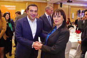 Η Γενική Διευθύντρια της OIKONOMAKHS CHRISTOS GLOBAL LAW FIRM κ. Κοκκοράκη Μαρία σε σύντομο τετ α τετ και θερμό χαιρετισμό με τον αρχηγό της αξιωματικής αντιπολίτευσης κ. Αλέξη Τσίπρα